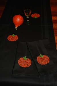 Halloween table linen 01